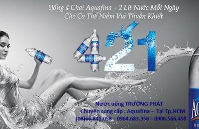 nước tinh khiết Aquafina đóng chai
