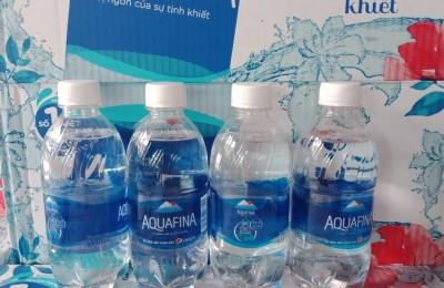giá thùng nước suối aquafina 350ml chỉ 90k